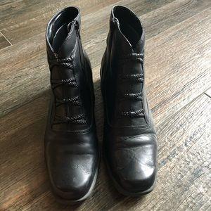 Donata Black Croft & Barrow black ankle boot 9MED